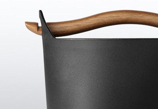 Sarpaneva Cast iron casserole 3.0l by iittala