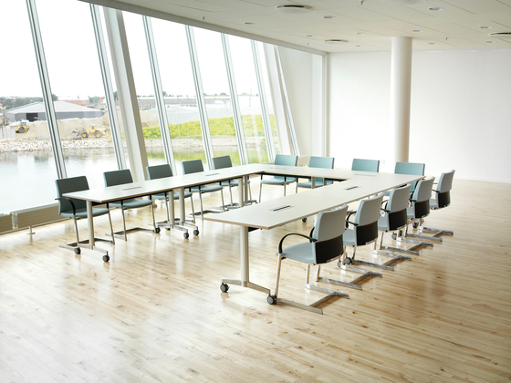 Moveo conference table de HOWE