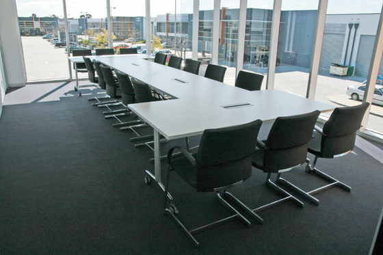 Moveo meeting table de HOWE