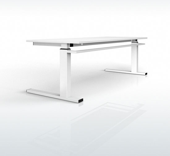 Fibre Sleigh-based-table by Stilo