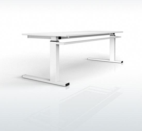 Fibre T-leg table by Stilo