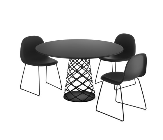 Aoyama Table by GUBI