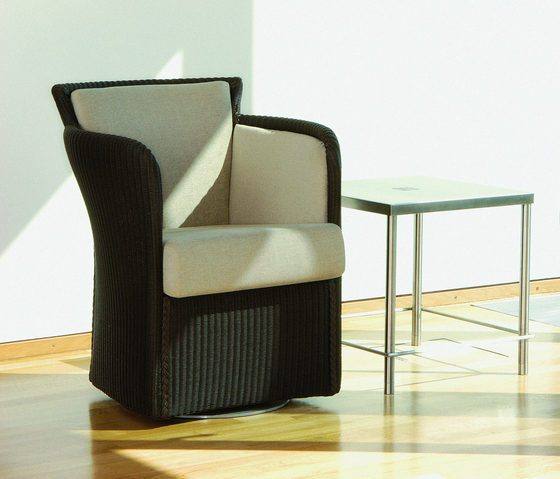Gypsy Twist Swivel Armchair di Accente