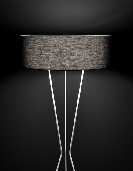 testa M-2817 table lamp by Estiluz