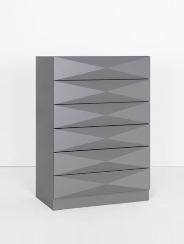 Authority System chest of drawers di Philip Edis