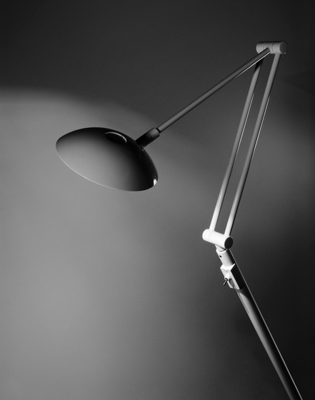 P-1127 | P-1127L floor lamp by Estiluz