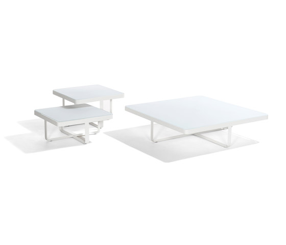 Neutra Adjustable Lounger de Tribu