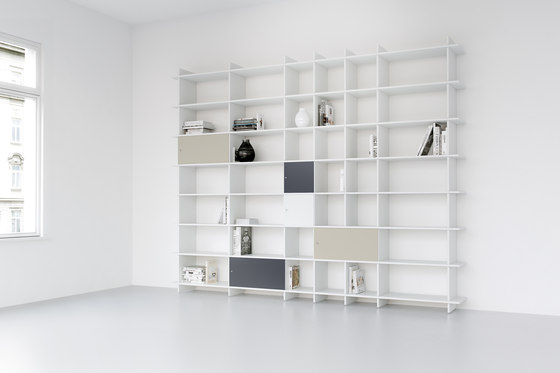 QR W-NA Shelf by OLIVER CONRAD