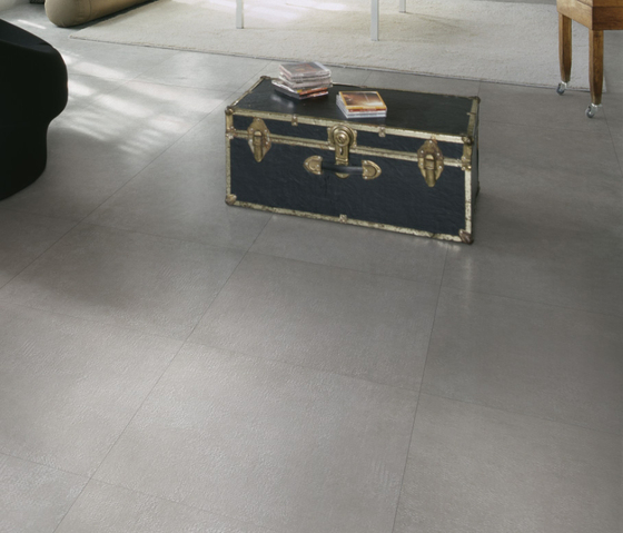 Tracce Ombra Tile by Refin