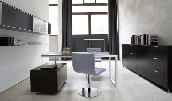 Sala | Desk Chair Central Pedestal - Brilliant Chrome by Ligne Roset