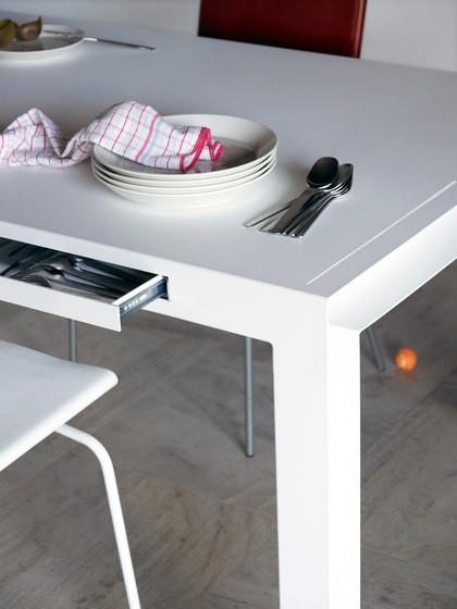 TABLE FOR TOOLS by Colect