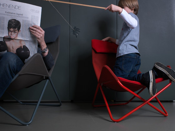 In-Out Mini Outdoor kid's chair di Richard Lampert