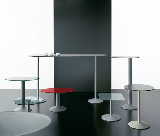 Ellipse table by Segis