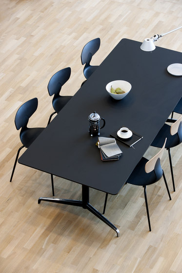 Genese Conference table de Holmris Office