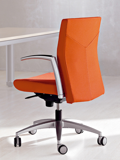 Kados chair by actiu