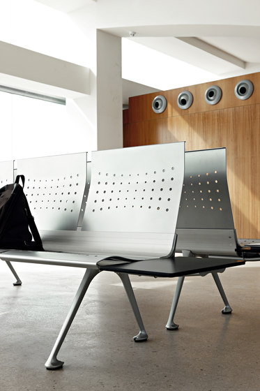 Transit Bench by actiu
