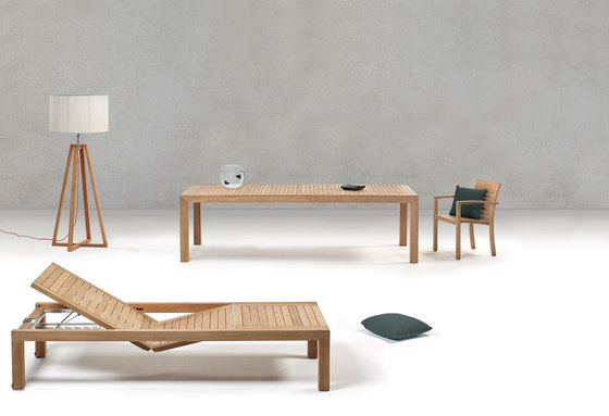 Ixit 178 bench by Royal Botania