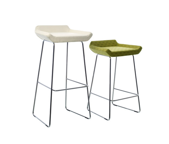 Happy higher bar stool de Swedese