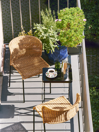 Flip balcony and dining table de Richard Lampert