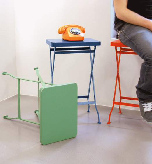 Flip occasional table di Richard Lampert