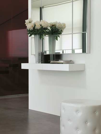 Consolle mensola con cassetto tesia 120 cm porada design for Biesse arredamenti
