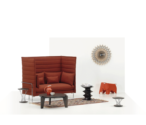 Alcove Highback Three-Seater de Vitra