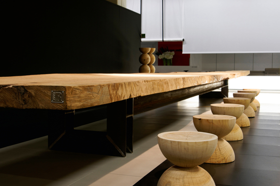 Dining tables tables kauri riva 1920 renzo piano for Design mobili