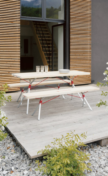 Kampenwand Bench by Moormann