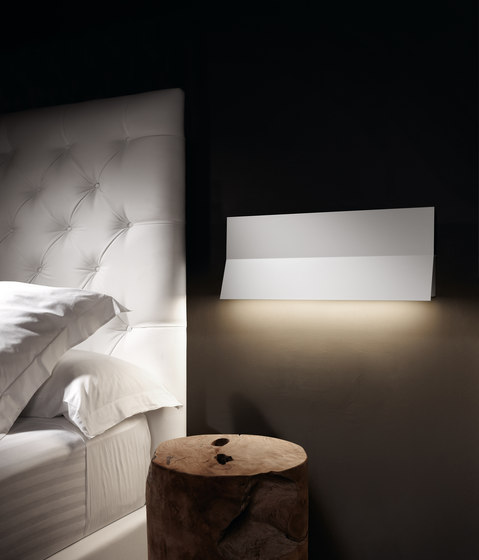 Lea 01 wall light by BOVER