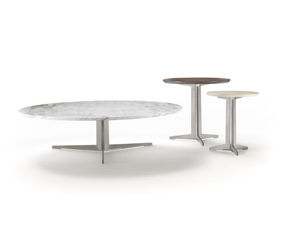 Fly dining table by Flexform