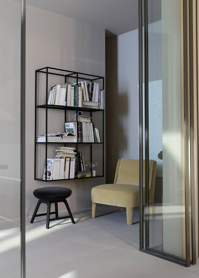 Hardy Stand by Meridiani