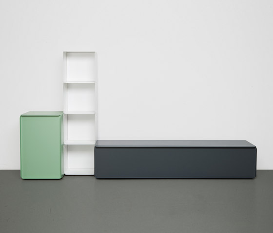 Collar cabinet by Quodes