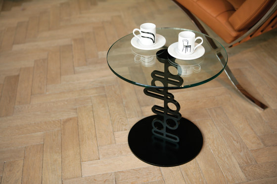 Ken side table by Quodes