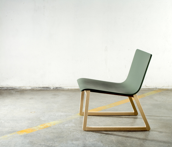 Int. chair by Bedont