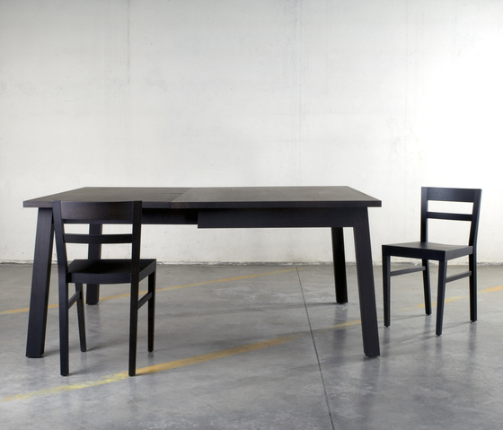 Sveva table by Bedont