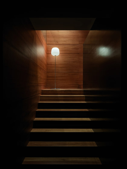 AFRA Floor Lamp de Karboxx
