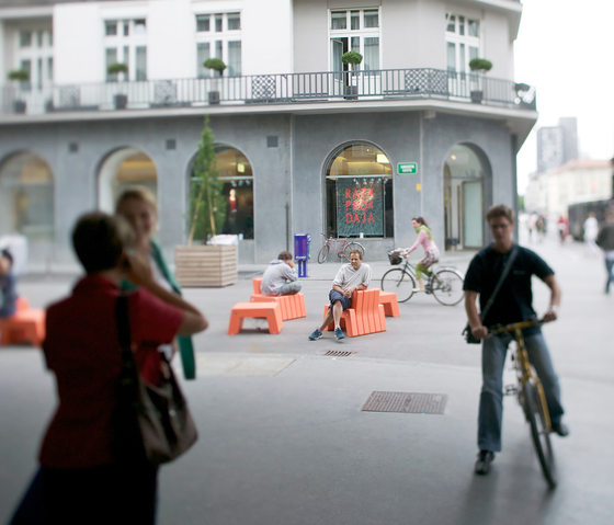 Ljubljana Stool di MOVISI
