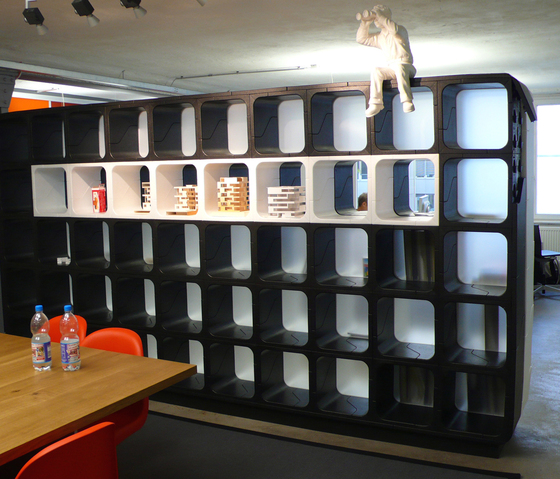 Play shelving by MOVISI
