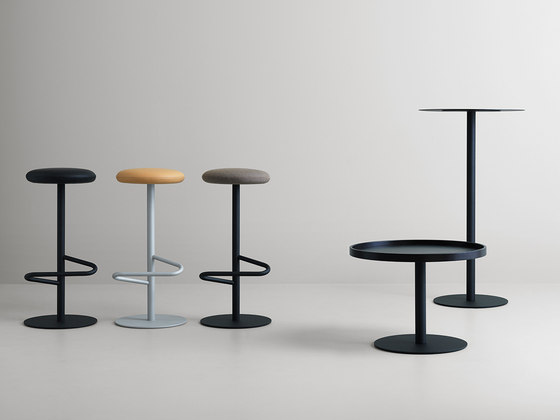 Odette Bar Table Round Marble de Massproductions