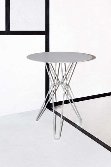 Tio Circular Café Table Marble by Massproductions