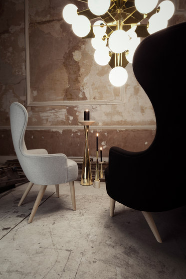 Wingback Long Ottoman Black Leg Hallingdal 65 di Tom Dixon