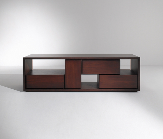 Maxima | Table BD 12 E by Laurameroni