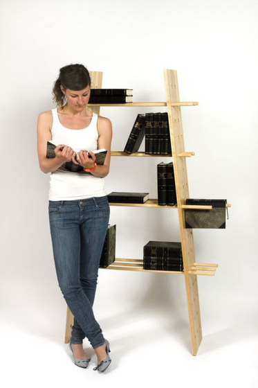 Fiction Bookshelf di Green Furniture Concept