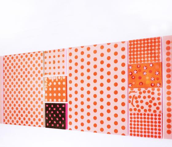 moveable wallpaper dots 1 by Nina Levett