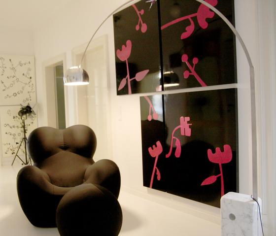 moveable wallpaper flowers  2 by Nina Levett