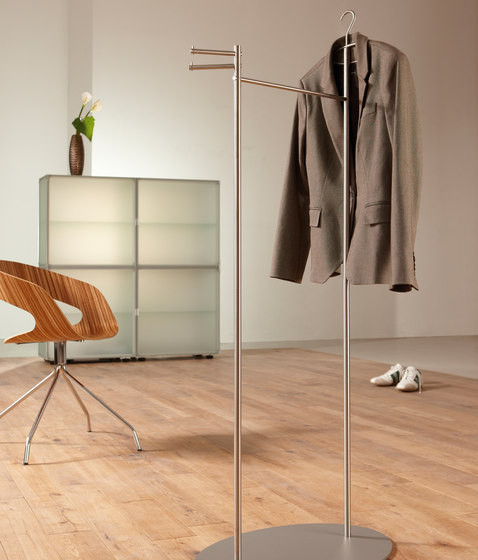stummer diener silent bob g sd clothes racks from phos design architonic. Black Bedroom Furniture Sets. Home Design Ideas