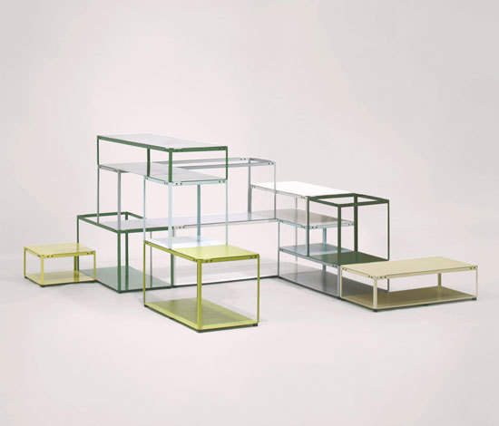 Crate Shelf [prototype] di Martin Born