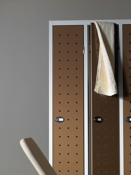 Monoplus Design | 3 doors locker by Dieffebi