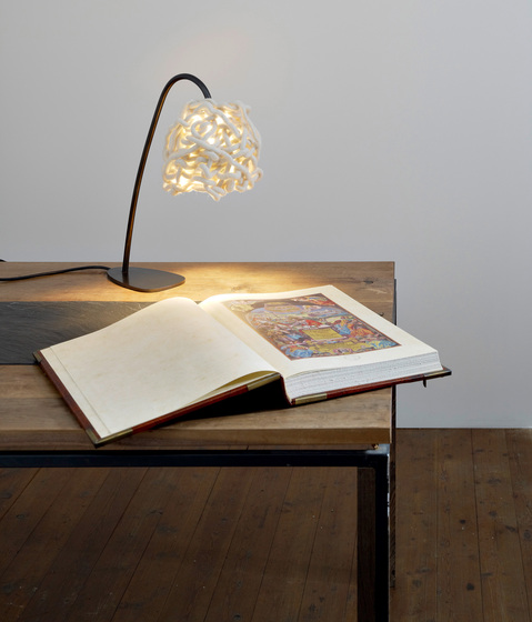 Woozily - Table lamp by Pudelskern