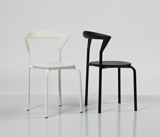 Opus bar chair by Magnus Olesen